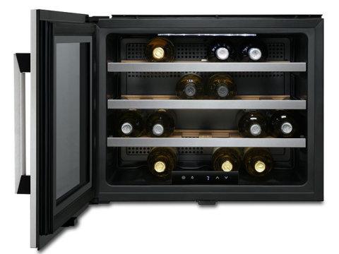 Electrolux integreeritav kompaktne veinikülmik ERW0670A