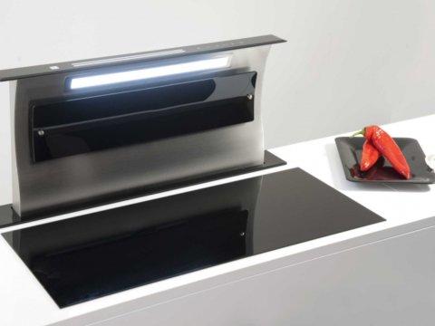 Integreeritav tööpinna seest tõusev õhupuhasti musta klaasiga S-DD4EM88TCB